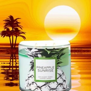 "NEW "" Pineapple Sunrise"" Candle"
